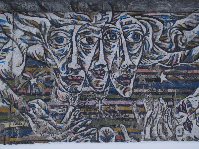 Berlim, Alemanha: East Side Gallery (Muro de Berlim): rostos