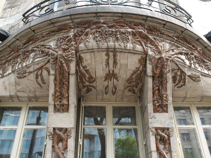 Paris france ceramic hotel 34 avenue de wagram vine - Art nouveau architecture de barcelone revisitee ...