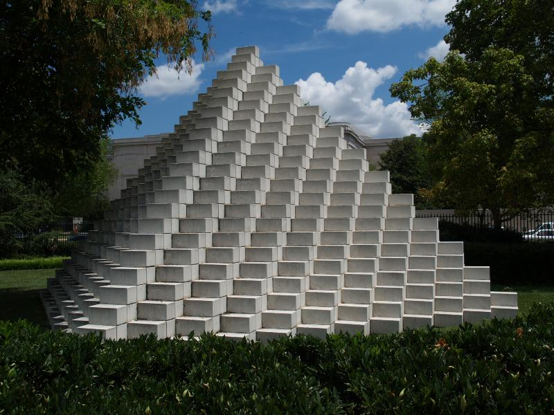 Washington Dc National Gallery Of Art Sculpture Garden Four Sided Pyramid